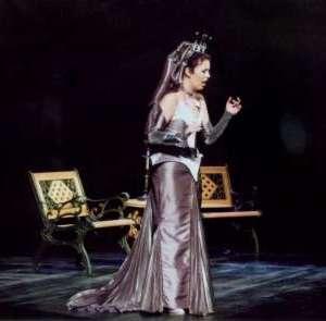 Adriana-2004-02